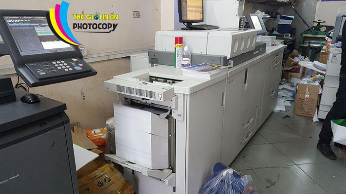 Cửa hàng photocopy đầy đủ dịch vụ in màu, photo và đóng sách,...